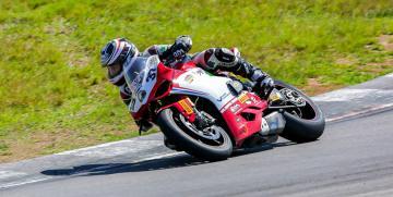 Sábado de giros libres de motos en el Autodromo de Oberá
