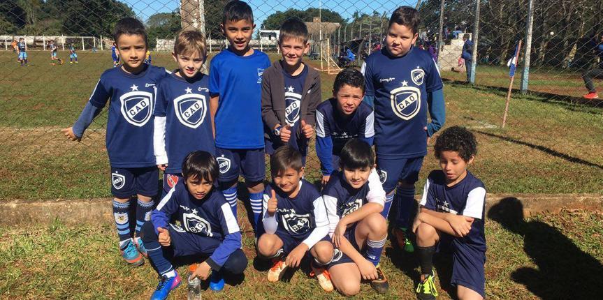 Sábado de fútbol infantil en el Club Atlético Obera