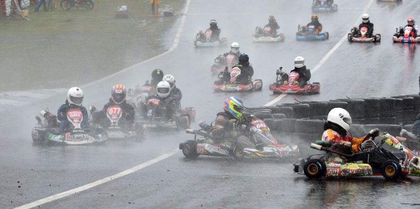 Bajo la lluvia, la dupla Paiva/Pavón participaron de la carrera especial