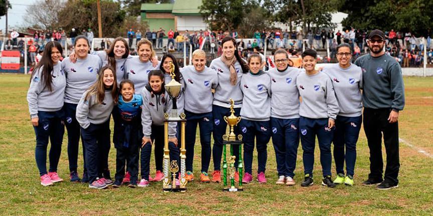 Este domingo arranca el clausura del fútbol femenino