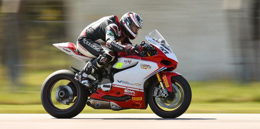 Nueva jornada de giros libres de motos en el Autodromo