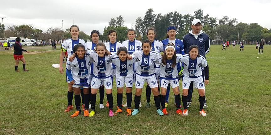 Comienza el primer torneo de fútbol femenino