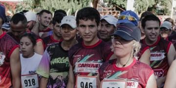 Da Silva se llevo el 10K de la Carrera Navideña